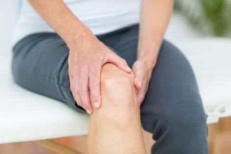 tratamentul condromului de șold лекарства от сильной боли в суставах