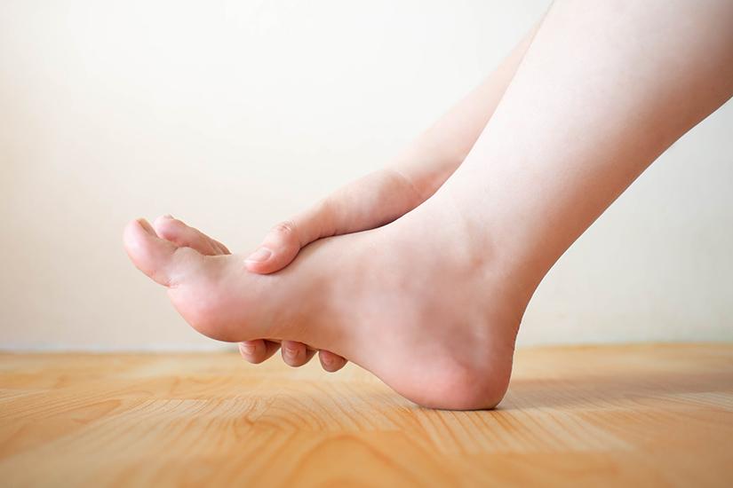 leziuni la nivelul articulațiilor degetelor umflate