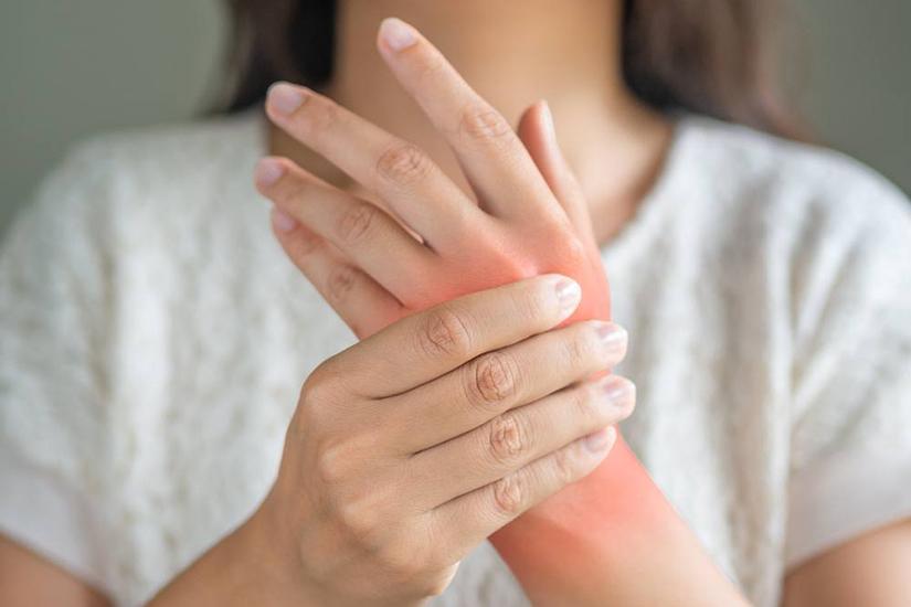 simptome - lipsa respirației slăbiciune dureri articulare umflarea tendonului articulației șoldului