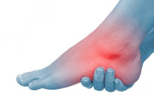 durere și umflare la glezna piciorului