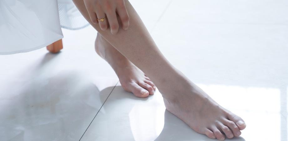 Ajuta la inflamarea articulației de pe picior - tehnicolor.ro