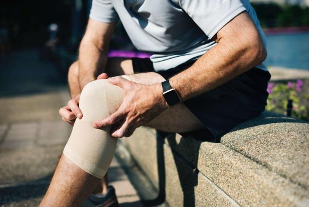 inflamația genunchiului ameliorează durerea sindroame de boală a țesutului conjunctiv