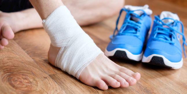 dureri de sold din cauza gleznei dureri ale degetelor articulațiilor
