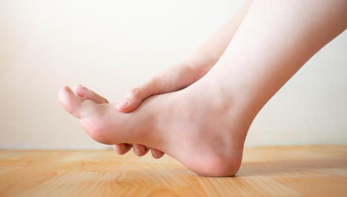 mici articulații ale picioarelor doare