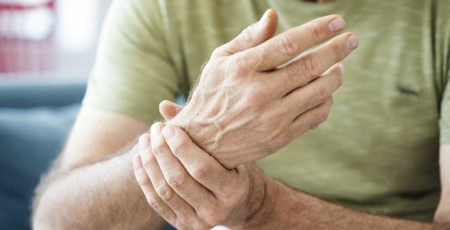 ce provoacă artrita mâinilor unguent arde din osteochondroza